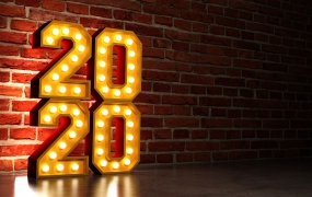 2020 light sign against the wall